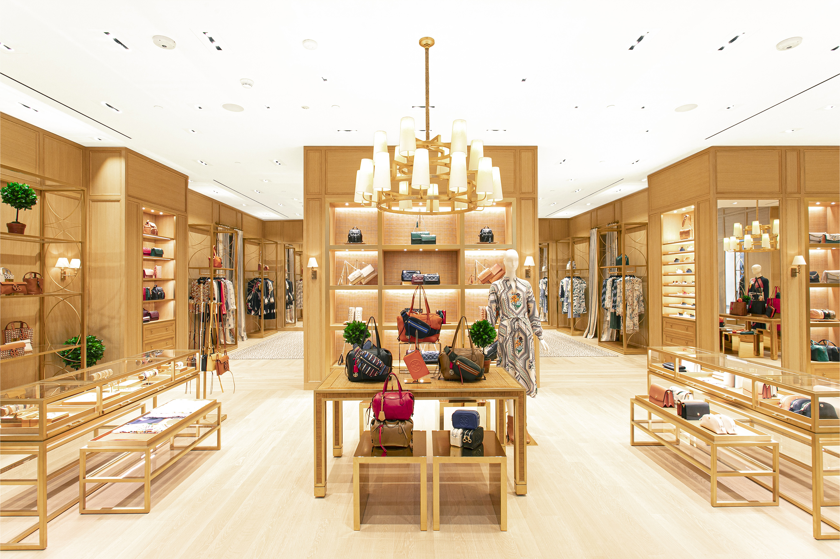 TORY BURCH OPENS A FLAGSHIP BOUTIQUE IN JAKARTA