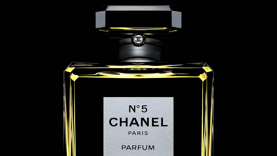 CHANEL N°5 – 100 YEARS OF CELEBRITY